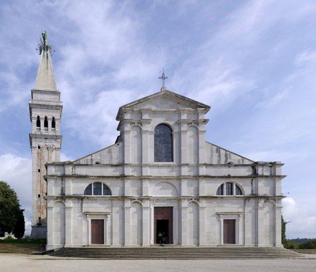 1-Croatia_Rovinj_St_Euphemia_church_BW_2014-10-08_14-23-33